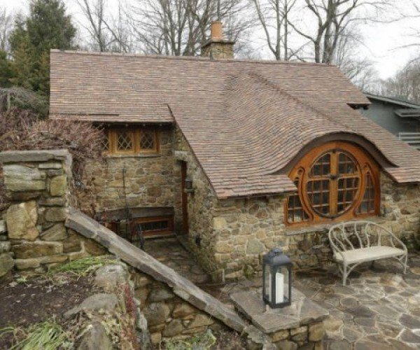 Guy Gets Hobbit House in His Backyard