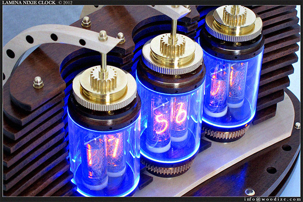 lamina_nixie_clock_2