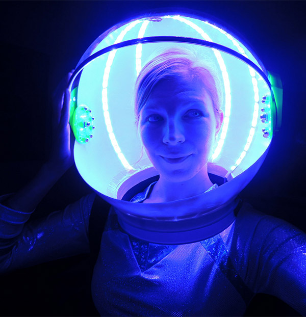 Led astronaut helmet it 39 s spaaaace magic technabob Cool things to do with led strips