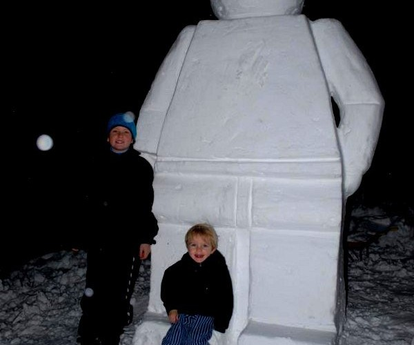 LEGO Minifig Snowman is Not Mini at All