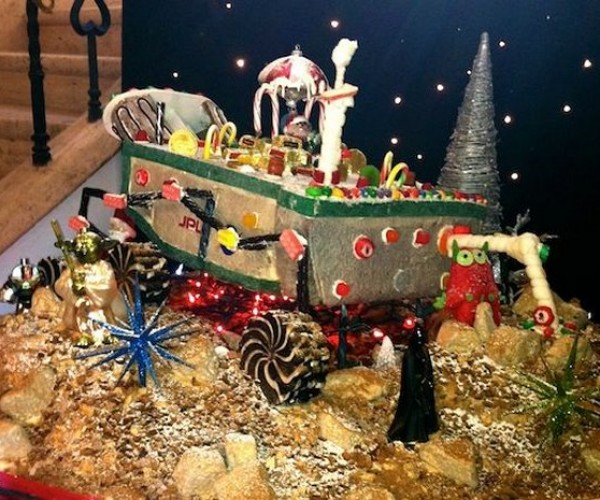 Gingerbread Mars Rover: Candy Curiosity