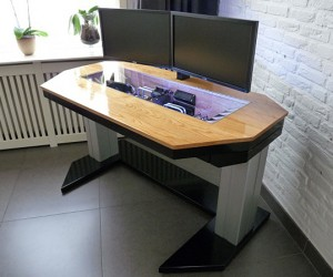 Adjustable Height Computer Desk Casemod Deserves a Standing Ovation