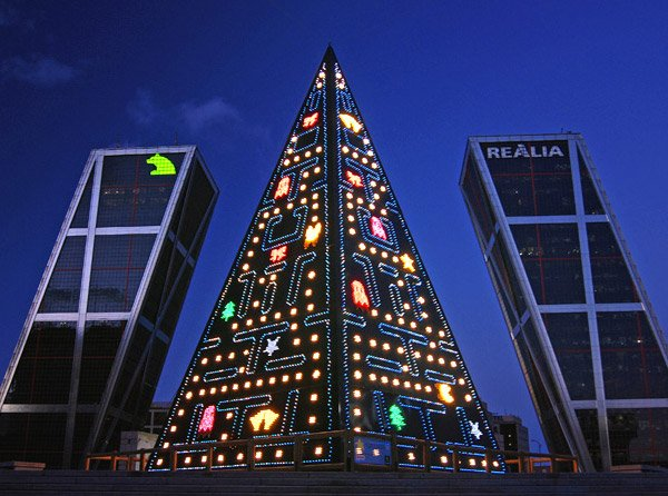 Pac Man Christmas Tree - Madrid, Spain - Wocka, Wocka, Wocka!