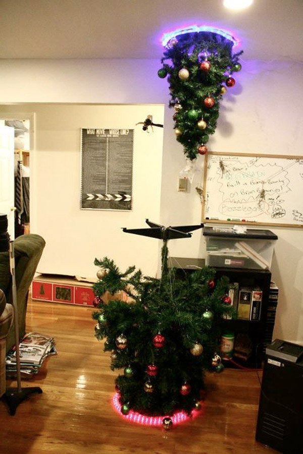 portal_christmas_tree