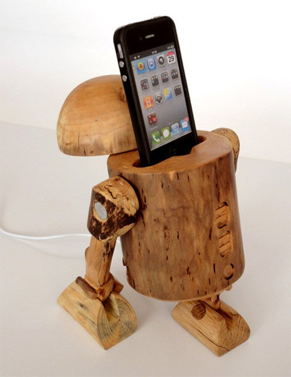 r2 d2 iphone dock 1