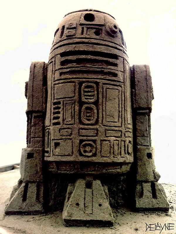 r2_d2_sand_sculpture
