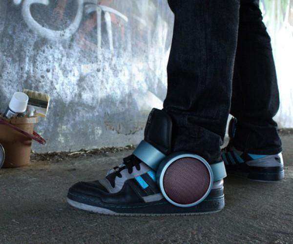 Sneaker Speaker: Sock Rockin' Beats!