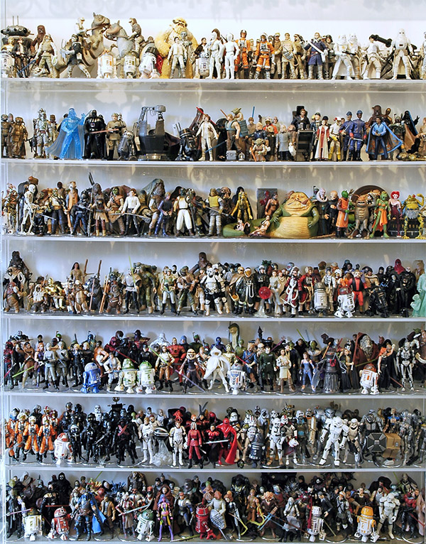 instant collection: 1,950-piece 'star wars' action figures up for