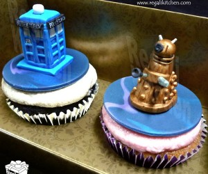 Doctor Who Cupcakes: Upgrade from Those Jammie Dodgers