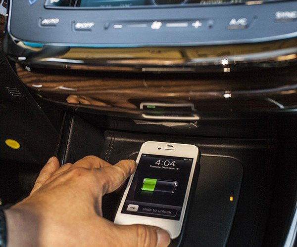 2013 Toyota Avalon Offers Qi Wireless Smartphone Charging