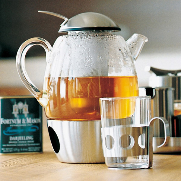 wmf smartea teapot appliance in use