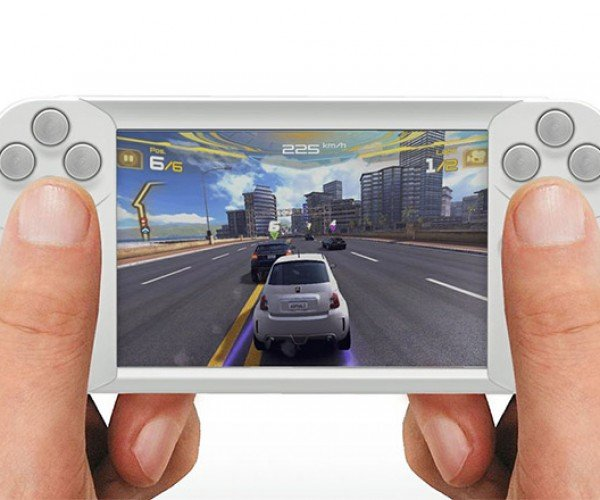 WynCASE Adds Physical Game Buttons to iOS Devices