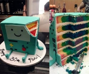 Amazing BMO Adventure Time Birthday Cake Has a Colorful Surprise on the Inside