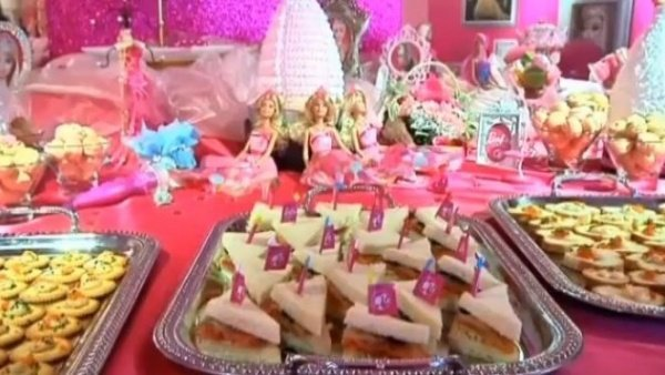 Barbie Cafe1