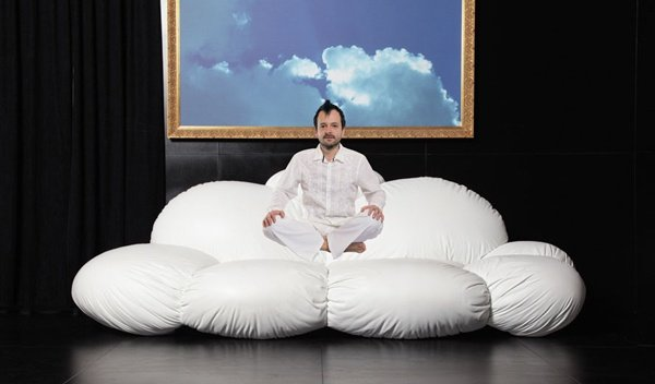 Cirrus Sofa Lets You Take a Walk (and Even Sleep) Among the Clouds