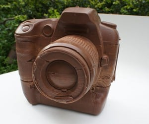 chocolate camera canon d60 by hans chung 300x250