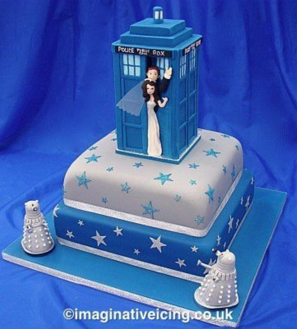 TARDIS Wedding Cake Wibbly Wobley Wedding Technabob
