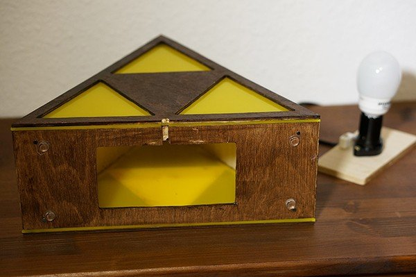 legend-of-zelda-triforce-lamp-by-eric-margera-5