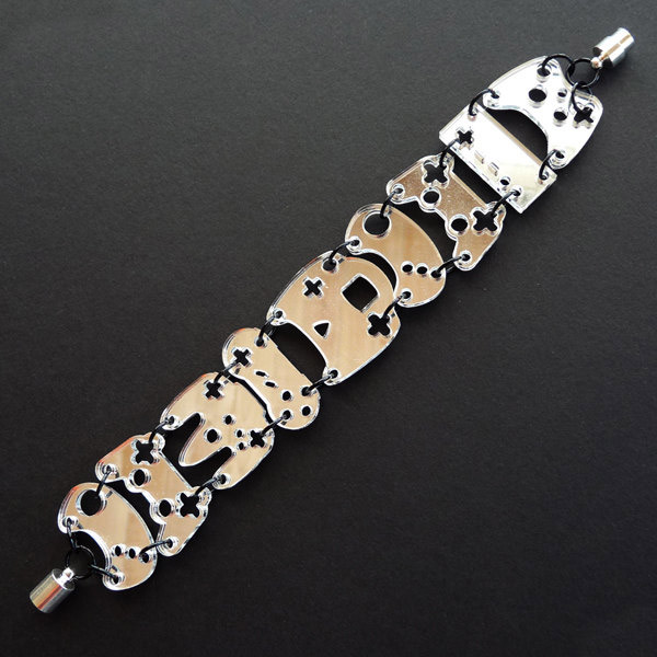 mirrored_controller_bracelet