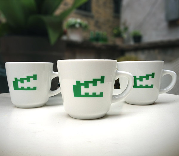 pitfall_mugs