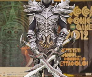 Dovahkiin Full Daedric Armor Costume: FUS-RO-WHOA!