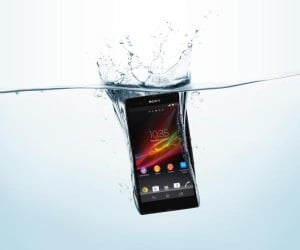Sony Xperia Z: Let the Phablet Wars Begin!