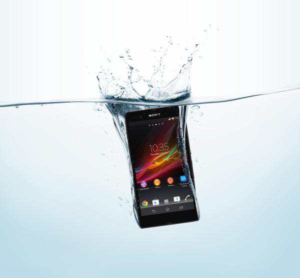 sony xperia z fonblet tablet smartphone water photo