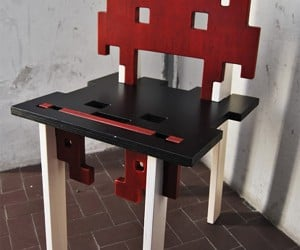 Interlocking Space Invaders Chair: Aliens, Assemble!