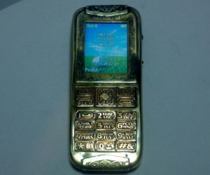 Steampunk Cellphone Casemod: Gorilla Brass