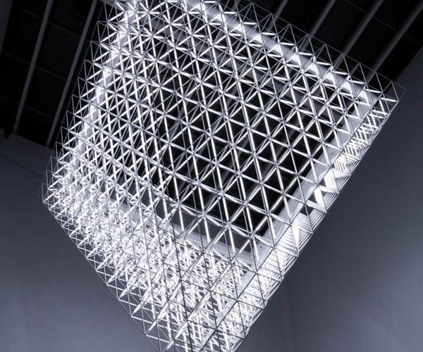Fragment: Dubai's Unidentified Flying Light Fixture