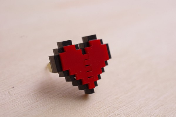zelda-pixel-heart-jewelry-by-nastalgame-10