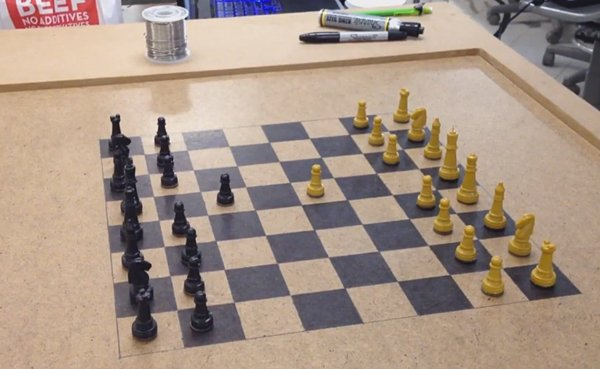 Arduino-Based Mod Adds Online Multiplayer to Regular Chess