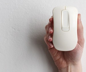 Ego! Smartmouse Also Works as Flash Drive, Gesture Remote and More: Swiss Army Mouse