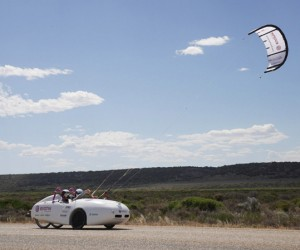 Evonik Electric Kite Car Travels Across Australia on Just $15