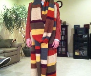 28-Foot Long Fourth Doctor Who Scarf: Is It Long Enough?