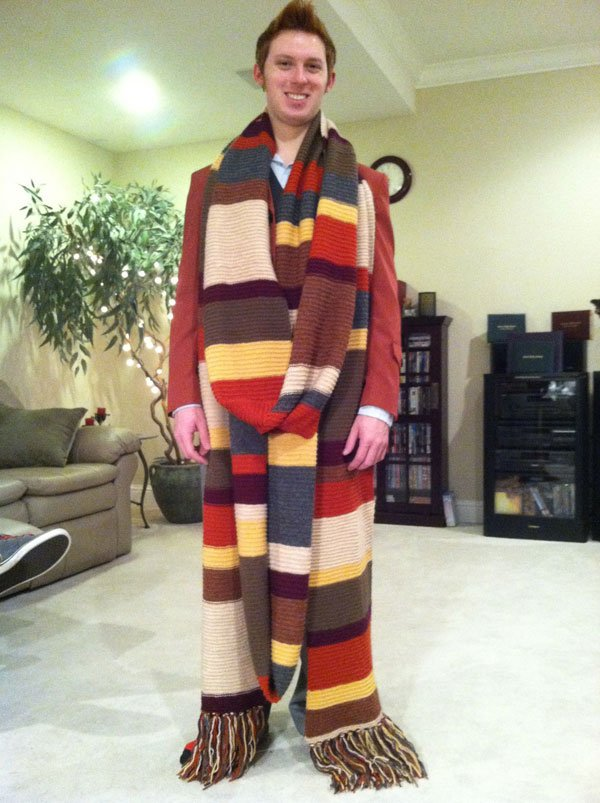 fourth doctor scarf who timelord phoyo