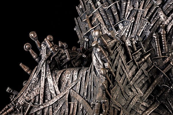 game-of-thrones-iron-throne-14-inch-replica-2