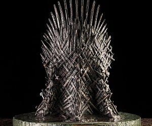game of thrones iron throne 14 inch replica 3 300x250