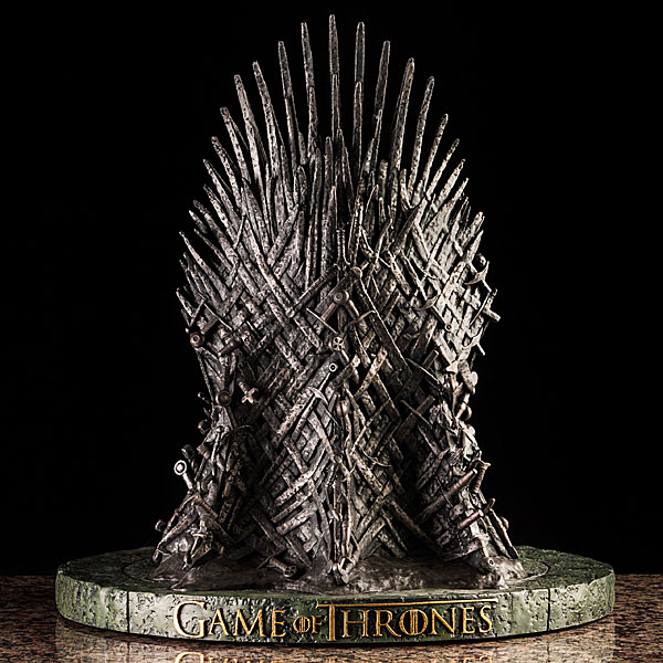 game of thrones iron throne 14 inch replica 3   technabob