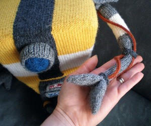 knit-claptrap-by-morrgan's-creatures-2
