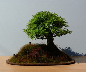 lord of the rings bag end hobbit hole bonsai by chris guise 3 300x250