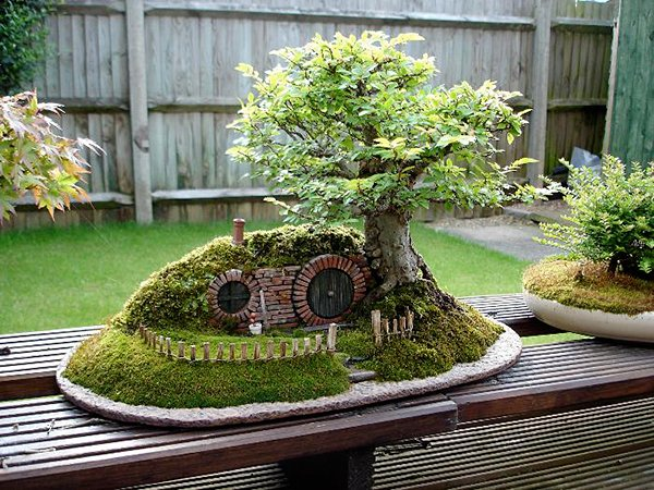 lord of the rings bag end hobbit hole bonsai by chris guise