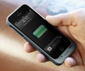 Mophie Juice Pack Helium for iPhone 5: Double Your Battery Life