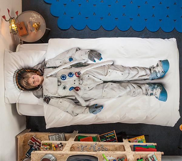 snurk_astronaut_bedding