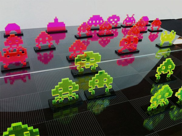 Space Invaders Chess Set: Pew! Check! Pew! Pew! Checkmate!