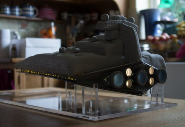 Star Destroyer Cake Will Crush Your Rebel Diet