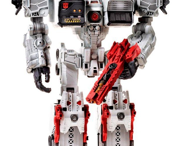 Transformers Metroplex Stands 2-Feet-Tall: It'll Be Hard to Disguise this Giant Robot
