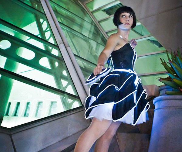 tron-party-dress-by-scruffyrebel-and-jinyo-4