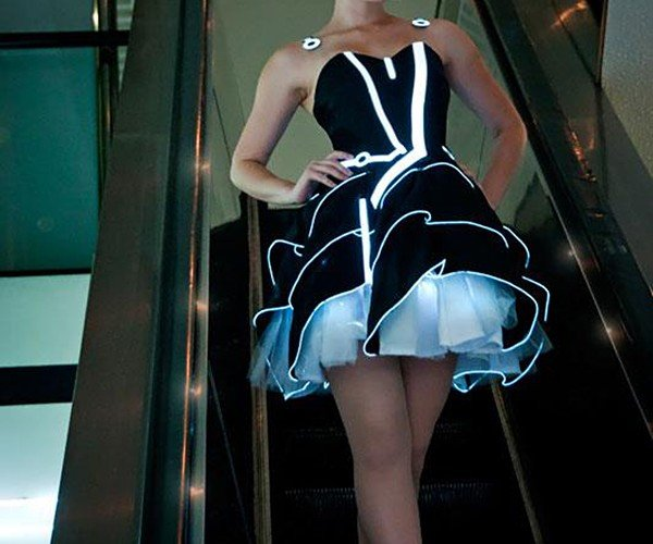 tron-party-dress-by-scruffyrebel-and-jinyo-7