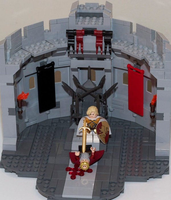Classic Game Of Thrones Scenes Recreated In LEGO1